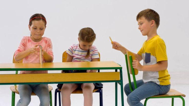 Minden iskolai sikerhez - Ceruza #iskola #iskolaszer #suli #iroszer #papir #iskolakezdes #ceruza #toll