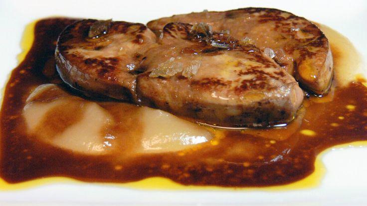 Fuente: cocinarparalosamigos.blogspot.com Necesitamos 1 botella de vino Pedro Ximenez 250 gramos de nata líquida El zumo de una nara...