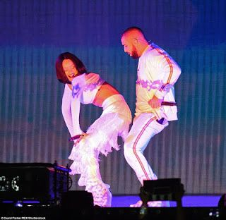 360dopes: Rihanna Twerks Up A Storm During Performance With ...