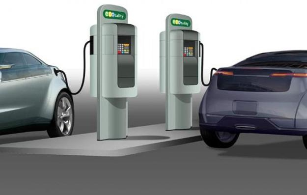 Leading the charge: GoE3 to develop first coast to coast interstate EV charging network-Arizona-based GoE3 is entering the growing EV charging station market, and will become the first coast-to-coast EV charging station infrastructure in the U.S with its planned 500 stations along America's interstates.    http://www.digitaltrends.com/cars/leading-the-charge-goe3-to-develop-first-coast-to-coast-interstate-ev-charging-network/