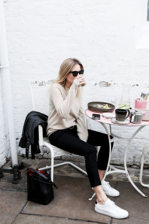 Idées simples et inspirantes pour une rentrée minimaliste | Minimalist looks that will (almost) make you want to go back to work