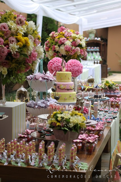 jardim no Pinterest  Mesas, Festas no jardim e Primeiro aniversário