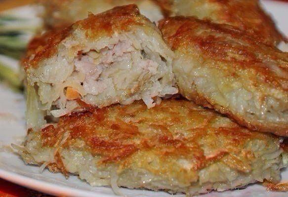 Картофельные зразы с мясным фаршем<br><br>Ингредиенты:<br>- картофель<br>- 1 морковь <br>- 1 лук репчатый <br>-…