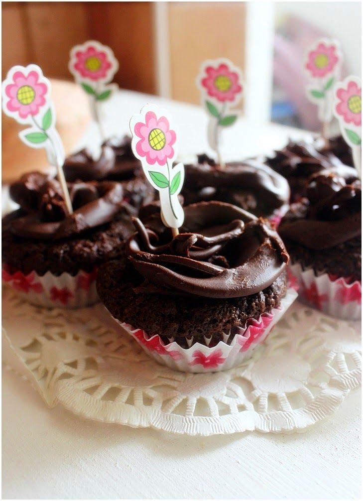 appelsiinejahunajaa: Ihana ihana maidoton ja gluteeniton suklaakakku(tai muffinit) bataatilla