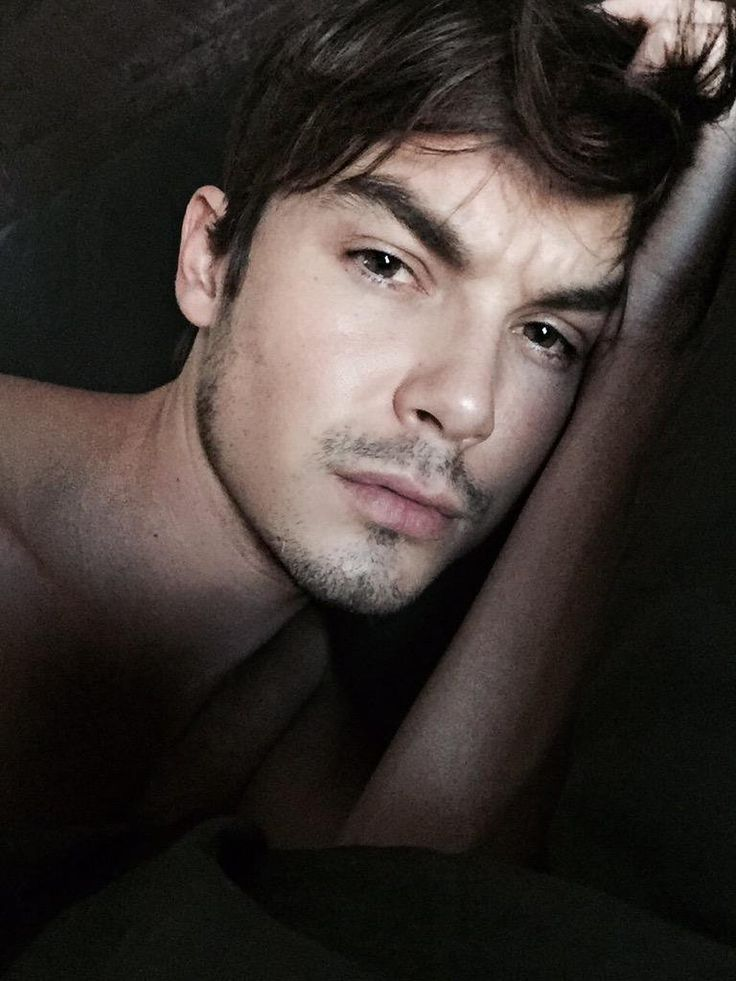 Tyler Blackburn, actor, photo via @tylerjblackburn on Twitter