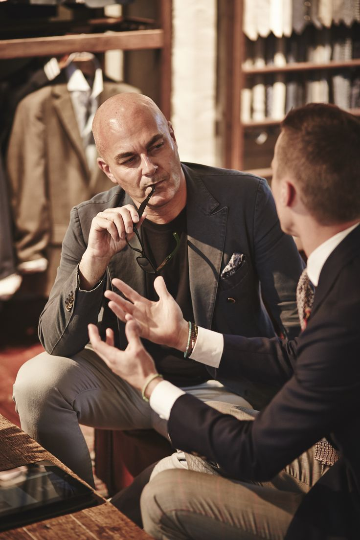 Neale Whittaker (Editor-in-Chief Vogue Living) talking to Drew Hoare from M.J. Bale.