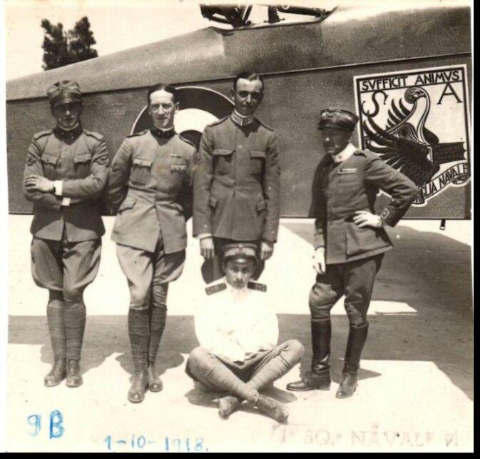 D'Annunzio, Thaon di Revel ed altri piloti.