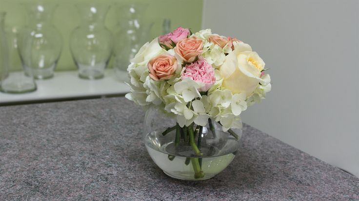How to make a small hydrangea centerpiece shower party