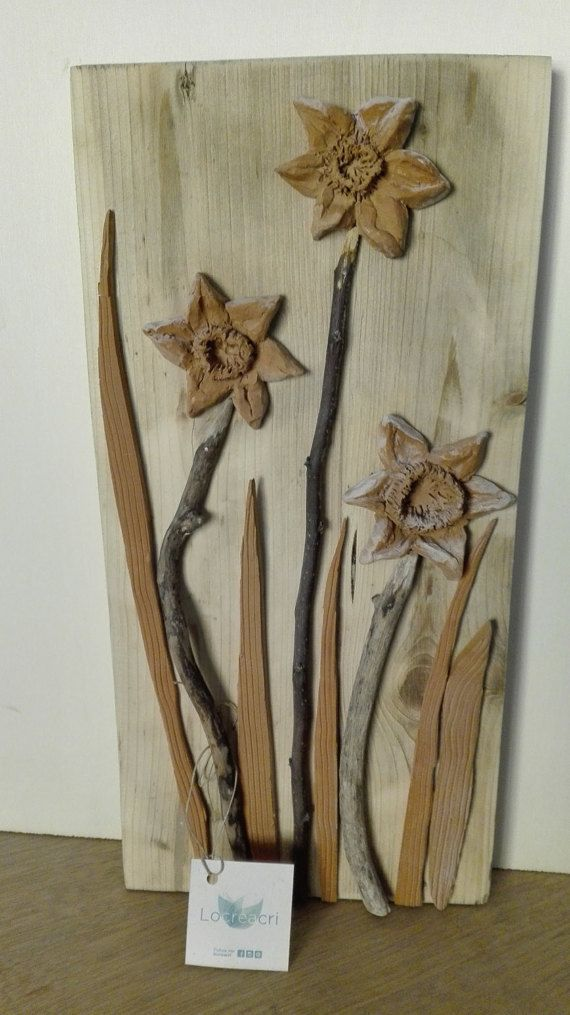 Guarda questo articolo nel mio negozio Etsy https://www.etsy.com/it/listing/289727509/wooden-framework-with-narcisuss-flowers