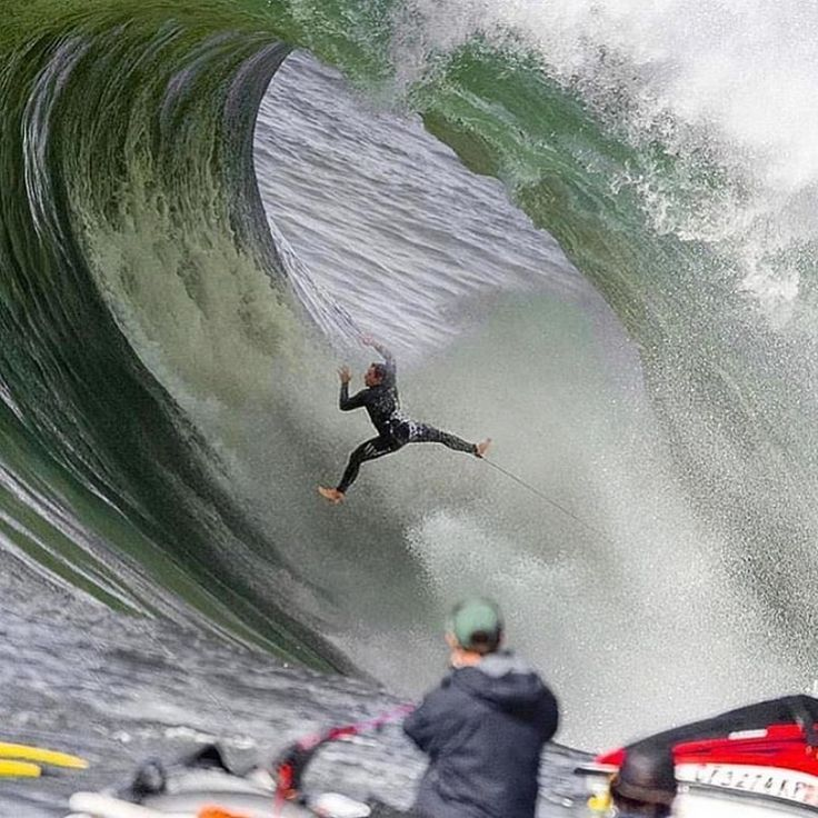 Doesn't get much heavier than this. surfer ryanhipwood