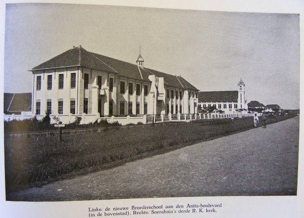 Surabaya: Gedung SMA St Louis 1 dan Gereja Katedral Dr Sutomo (sebelum 1906)