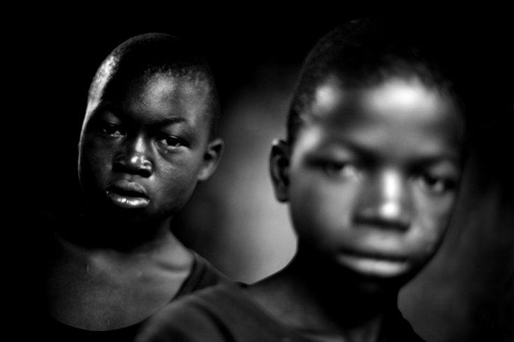 MARIO MACILAU http://www.widewalls.ch/artist/mario-macilau/ #photography #realism