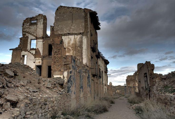 Spooksteden wekken bij de meesten een raadselachtig gevoel op. De combinatie van stilte en somberheid maakt ze extreem fascinerend, maar hoe zijn ze ontstaan? Nou, zo dus.