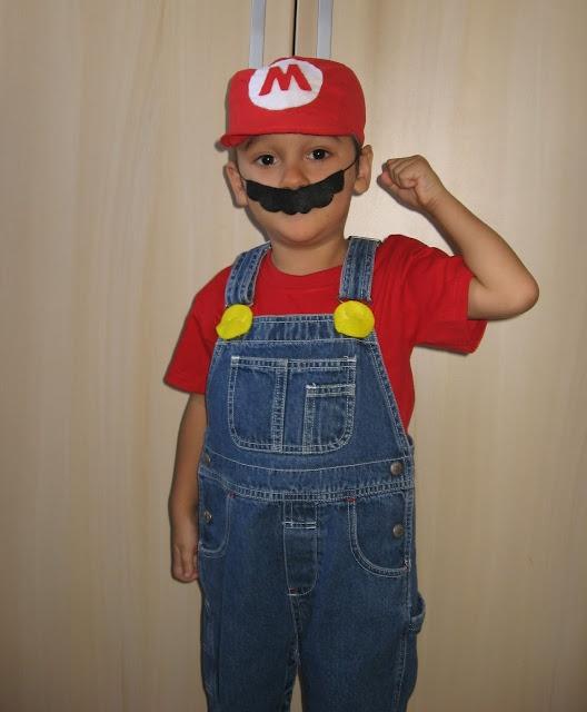 Improvisando um Mario.  Easy Mario Costume . DIY