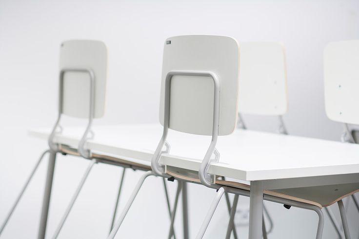 Pisa-chair, Isku School