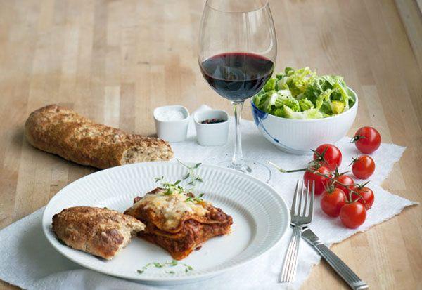En god lasagne er altid et hit - denne skønne lasagne opskrift er en sikker familielivret og smager fantastisk. Se opskrift og billeder her