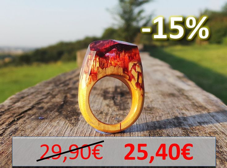 Anello vero legno di castagno resina rosso vulcano venature - Real chestnut epoxy resin wood ring red volcano designer engagement rings di EddyAllHandMade su Etsy