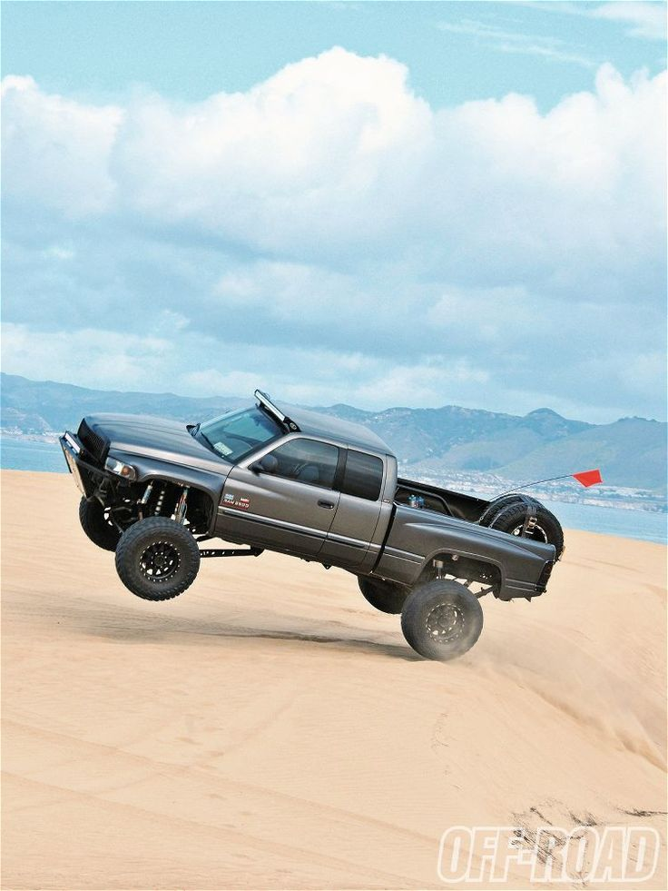 Up up and awayyyyyyy!!!!  Thrill Generator 2001 Dodge 2500 4X4