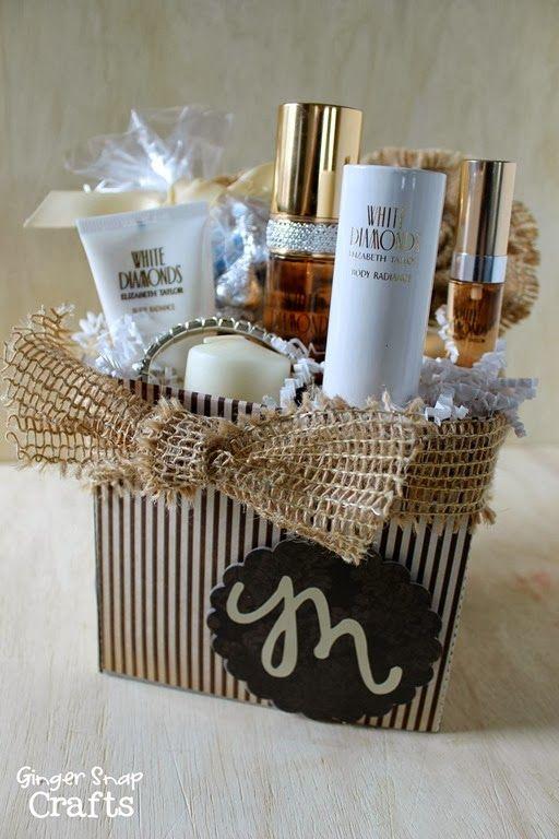 White Diamonds Perfume Gift Box made with my Silhouette Cameo ~ Christmas Gift Idea {tutorial} #shop #cbias #scentsavings