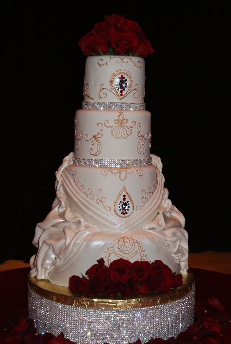 red wedding cakes with bling 1000 ideas about bling cakes on quinceanera 19175