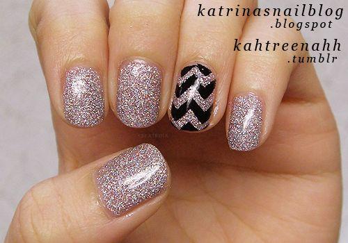 glitter glitter glitter!Glitter Nail Art, Accent Nails, Nails Design, Wedding Nails Art, Glitter Nails Art, Black, Glitter Glitter, Chevron Stripes, Chevron Nails