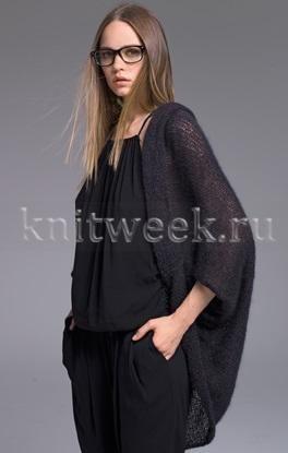 Стильная накидка спицами для женщин, выполненная из тонкого мохера на шелке. Вязание модели осуществляется лицевой гладью и представляет из себя...