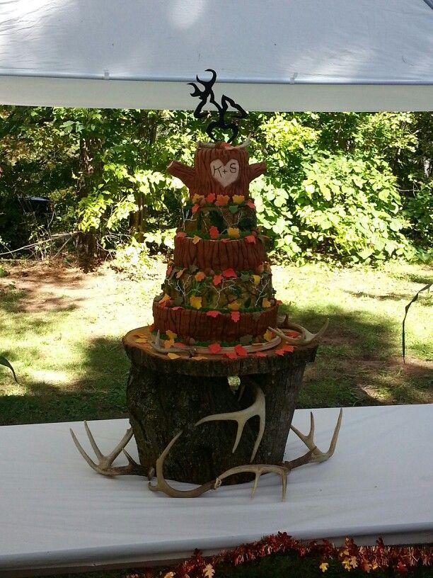 25 Best Ideas About Camo Wedding Cakes On Pinterest