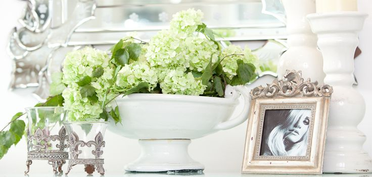 Frame, Weeding Collection