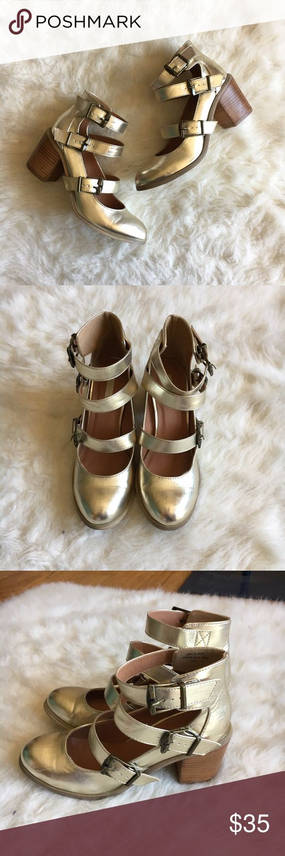 UO Triple Maryjane Gold Metallic Chunky Heels Gently used UO Cooperative Triple Maryjane Gold Metallic Chunky Heels. Super cute and perfect for summer. No major flaws. The inner toe insole is slightly lifted which doesn't effect wearability at all. Urban Outfitters Shoes Heels