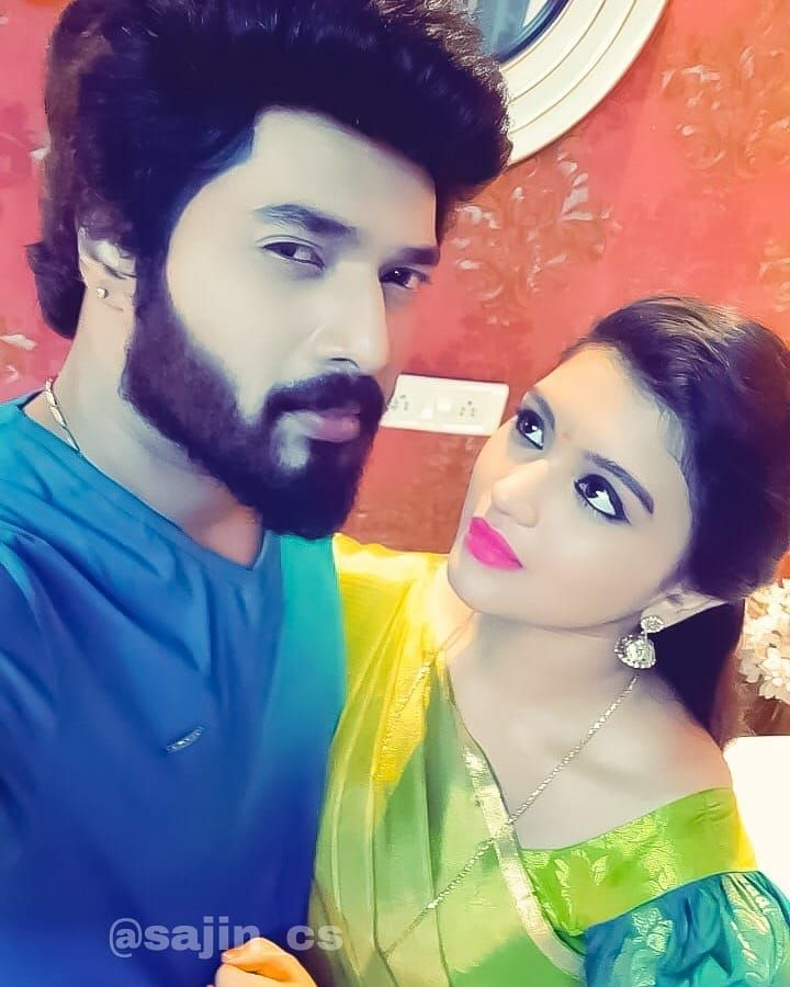 Our Sembaruthi Serial Romantic Pair Karthikraj Sir And Shabana Selfie Click Invincible Twentyone Shabbo1 Love Couple Images Family Images Couples Images