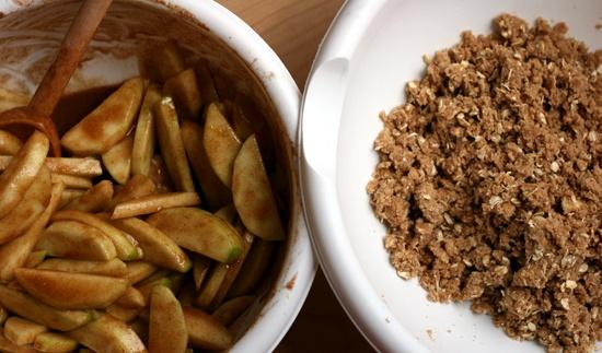 cinnamon crumble apple pie   I'm Gonna Bake You!   Pinterest