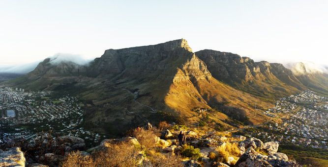 How to Hike Africa's Iconic Mountains - Table Mountain #beinspired #go2africa #landscapes
