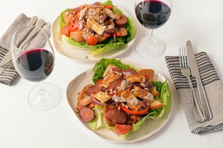 A weeknight dinner inspired from Spain sees a fresh and vibrant salad featuring haloumi and chorizo on the WOOP menu!