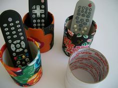 Regina Caixas: Porta lápis ou porta controle de rolo de fita adesiva.