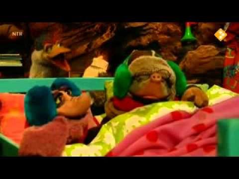 ▶ Koekeloere - Brrr - YouTube