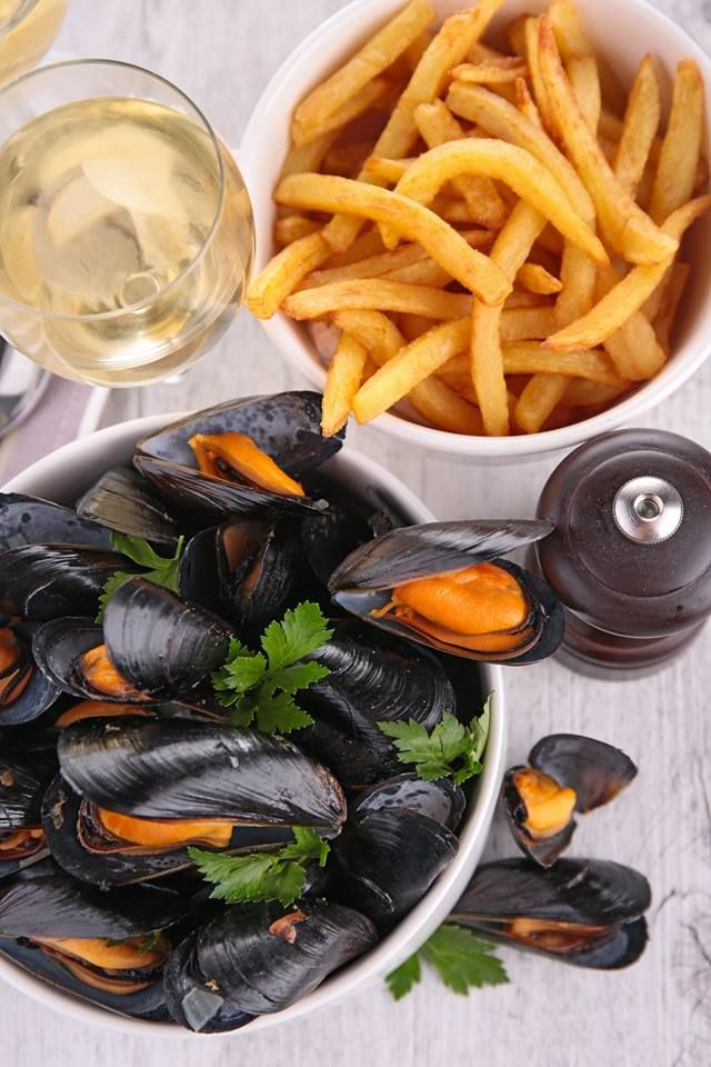 Lunchtime is fast approaching! Fancy some Belgian mussels with fries? Discover Brussels for foodies!
