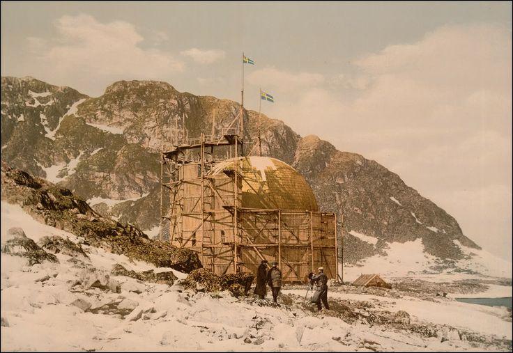 Historiske bilder: Svalbard. Andrees Stasjon på Danskøya. Det var herfra den Svenske vitenskapsmannen Salomon August Andree prøvde å nå Nordpolen i ballong i 1897, men mislyktes og omkom.
