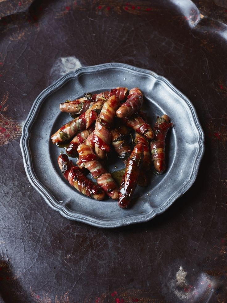 Pigs in Blankets - tasty bacon wrapped sausages : jamie oliver