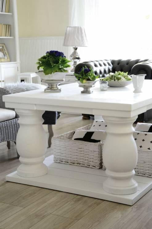 Pokój dzienny - stolik kawowy - Z wizytą u blogerki - jak mieszka autorka bloga…