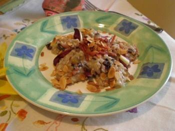 Risotto al radicchio di Treviso, con speck e filetti di mandorla tostati