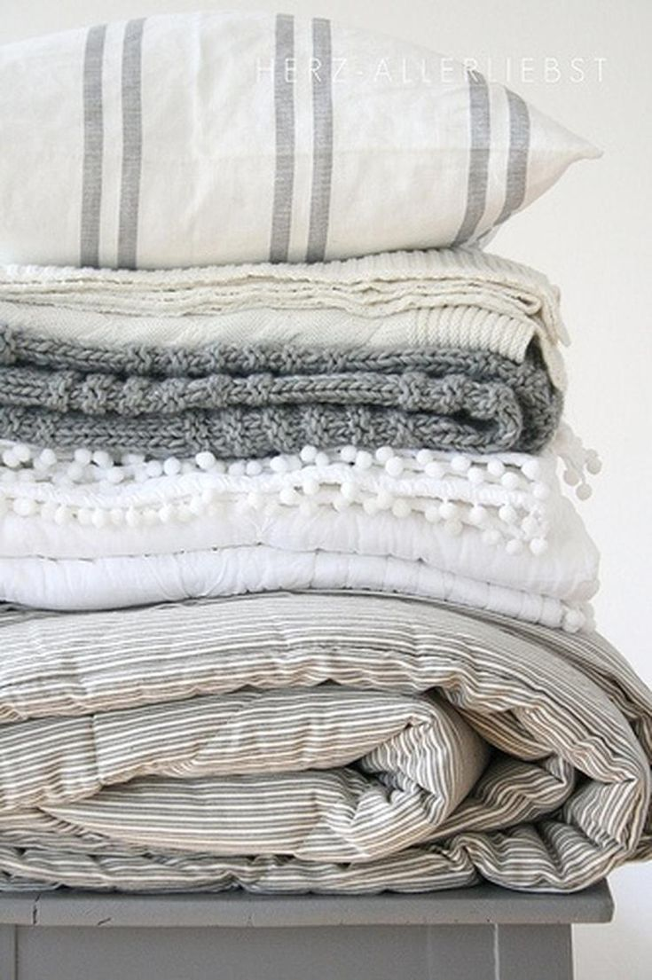 Beautiful linens in white and gray, timeless.
