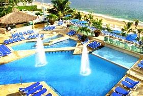 Hotel Copacabana Beach, Acapulco, Guerrero - Sobre la playa, frente al Centro de Convenciones.