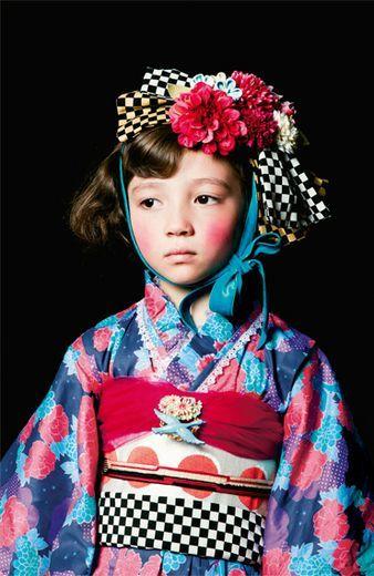 Fashion collection[ファッションコレクション]|今ドキ着物スタイルを楽しむ ロマンティック振り袖ドレス|フェリシモ: