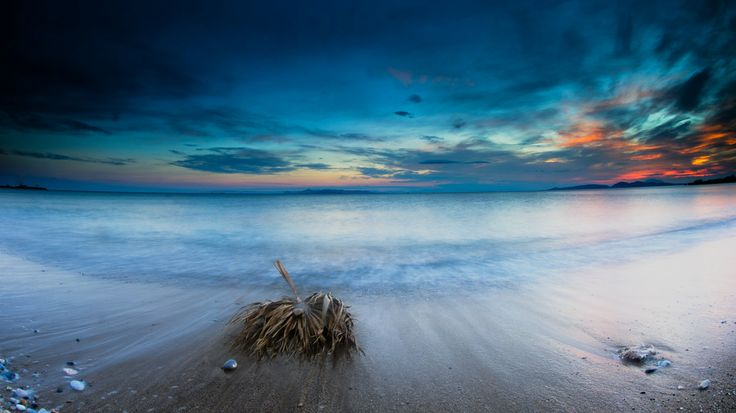 At the beach by Thanasis Maikousis on 500px