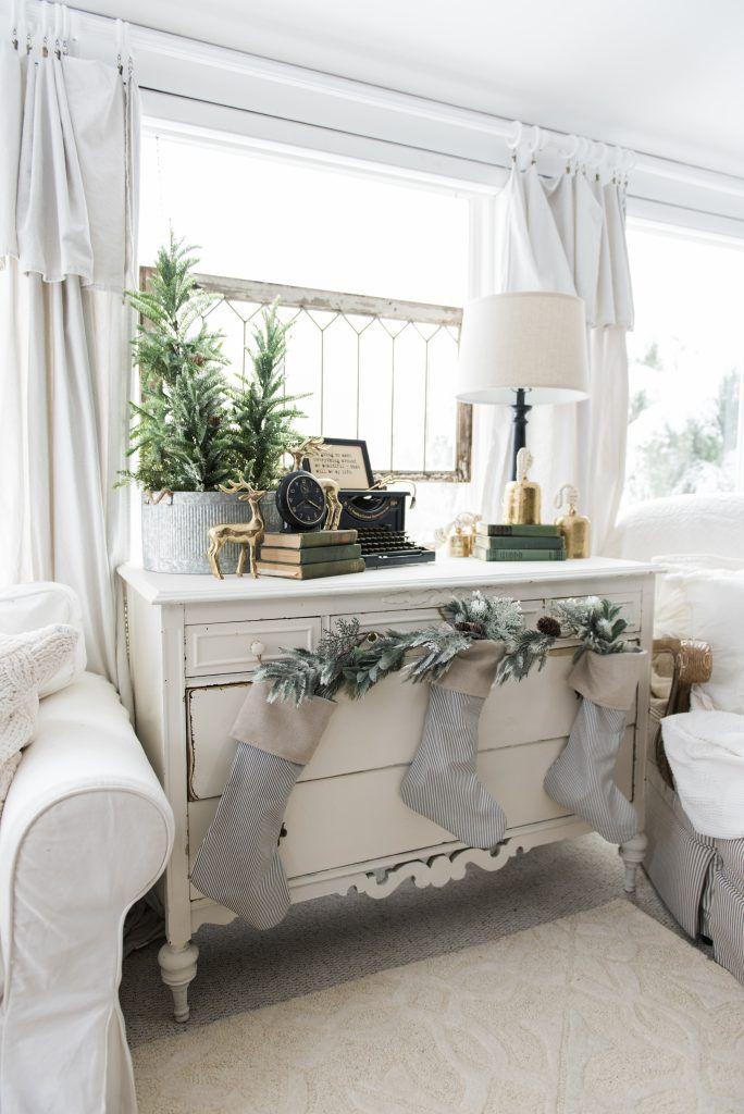 liz marie blog | farmhouse holiday living room tour