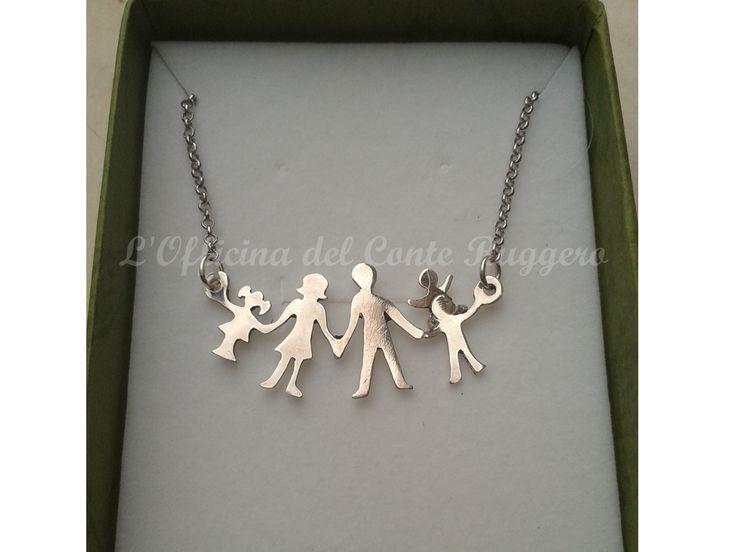 Perché ci piace dirlo anche coi simboli... Famiglia in argento con tre figli (liberamente ispirata al log della Manif pour tous)