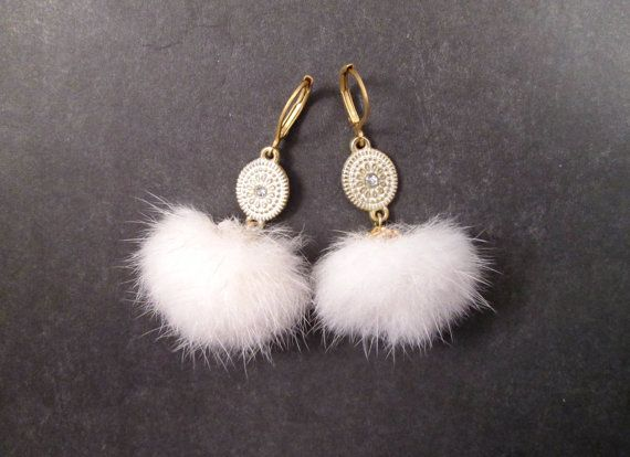 Fur Earrings White Mink Fur Gold Dangle Earrings par justEARRINGS