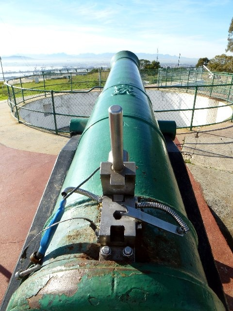 Noon Day Gun - fired daily from Signal Hill. BelAfrique your personal travel planner - www.BelAfrique.com