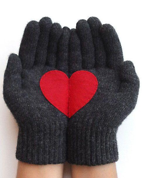 Heart Gloves <3 L.O.V.E.