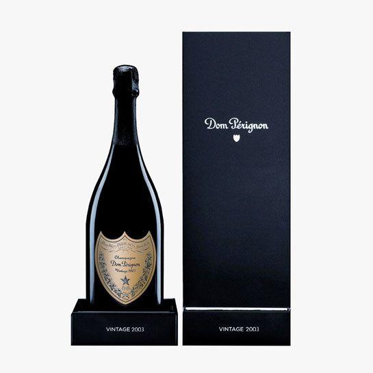 Dom Pérignon http://www.vogue.fr/mode/shopping/diaporama/cadeaux-de-noel-bleu-nuit/10911/image/650933#dom-perignon